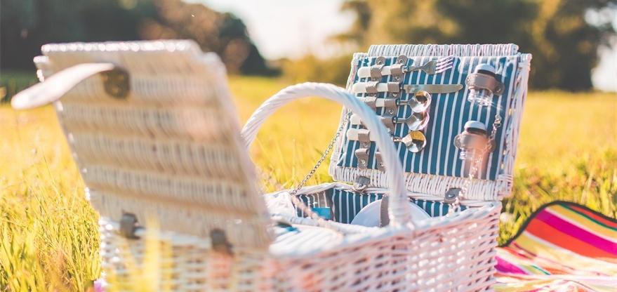 """willow picnic basket"""